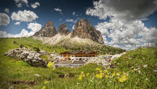 Passo Sella Dolomiti Mountain Resort Wolkenstein-Selva Gardena