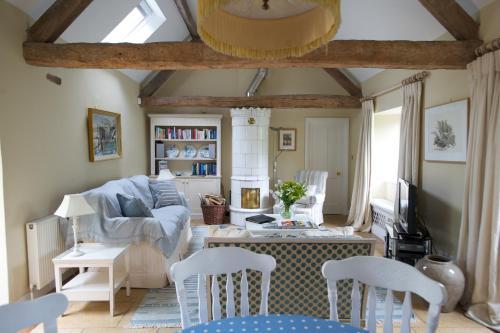 . Shipton Cottage