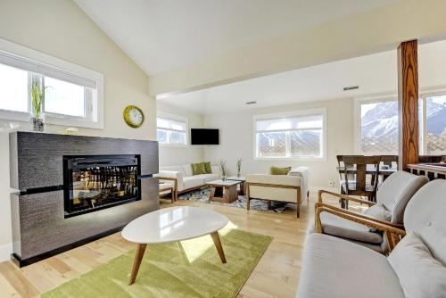 Teepee Town Penthouse - Canmore, AB T1W 1M9