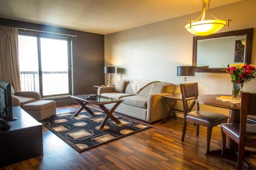 . Hallmark Place by OBASA Six Three Suites