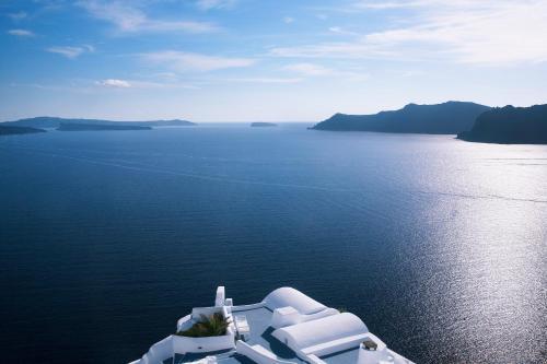Oia, Santorinia 84702,  Cyclades Islands Greece.