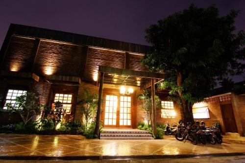 . Java Villas Boutique Hotel & Resto