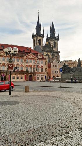 Prague Old Town Apartment with Terrace Bild 5
