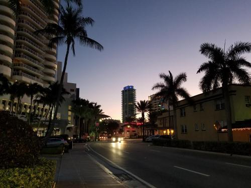 Miami Beach Suncoast Apartment Ll - Miami Beach, FL 33141