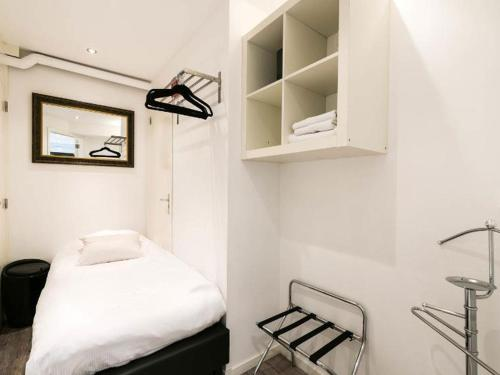 Chariot Amsterdam - canal apartment photo 17