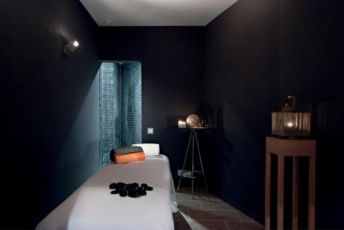 Axel Hotel Barcelona & Urban Spa- Adults Only photo 2