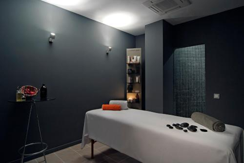 Axel Hotel Barcelona & Urban Spa- Adults Only photo 3