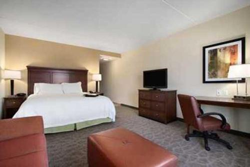 Hampton Inn & Suites Charles Town Wv - Charles Town, WV 25414