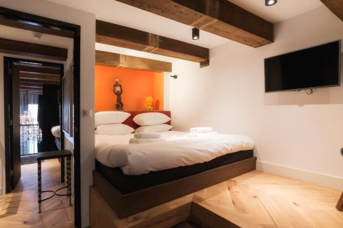 Harbour Suites photo 10