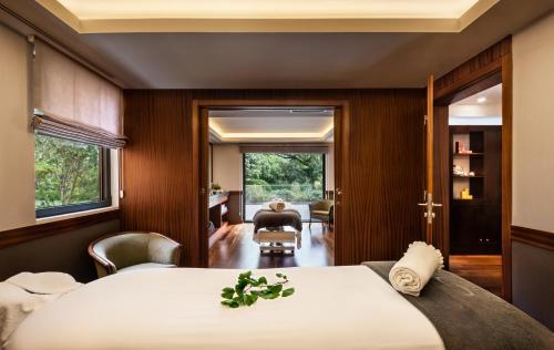 Terra Nostra Garden Hotel - Photo 8 of 62