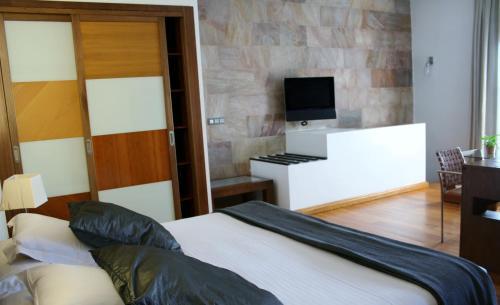 Two-Bedroom Villa Hotel Monument Mas Passamaner 2