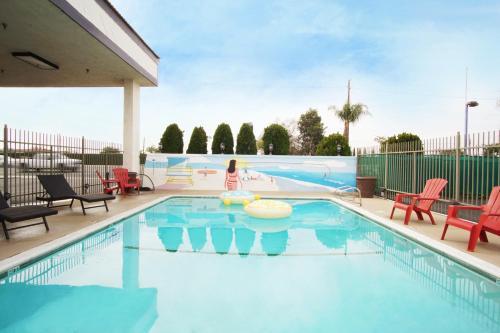 The Dixie Orange County - Stanton, CA 90680