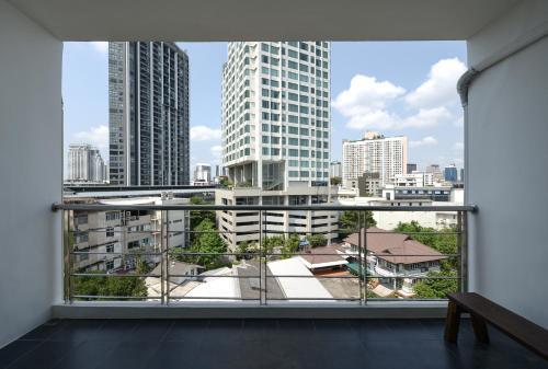 Bangkok Feliz Sukumvit69 impression