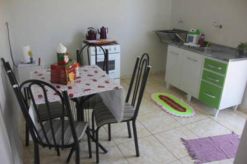 Apartamento térreo em Foz (Photo from Booking.com)