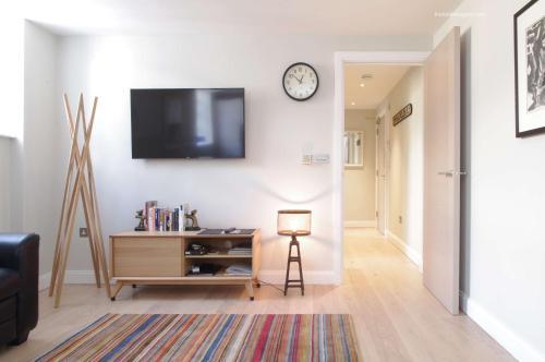 Superb Spitalfields Home E1