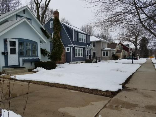 2 Bedroom Home A Few Blocks From Mayo - Rochester, MN 55901