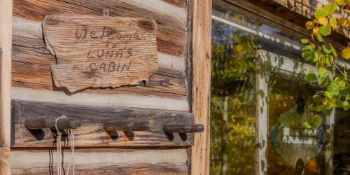 Luna's Cabin