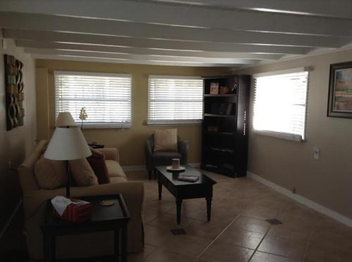 Two Bedroom Paradise Cove Unit 3