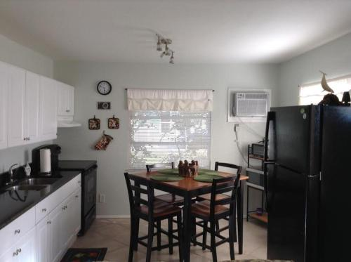 Two Bedroom Paradise Cove Unit 6 - Englewood, FL 34223
