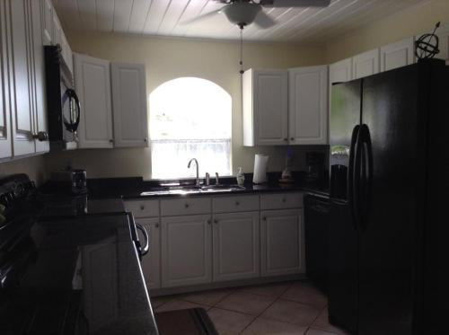 Two Bedroom Paradise Cove Unit 5 - Englewood, FL 34223