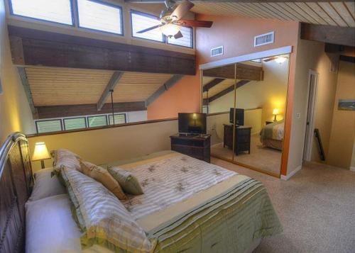 Kamaole Sands 2-401 - Three Bedroom Condo - Kihei, HI 96753