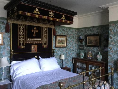 Hotel St Benedict - Victorian Bed And Breakfast