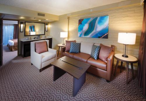 DoubleTree Suites by Hilton Tucson-Williams Center