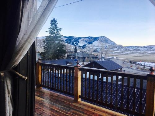 Park Hotel Yellowstone Suites - Gardiner, MT 59030