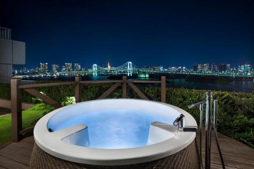 Hilton Tokyo Odaiba photo 44