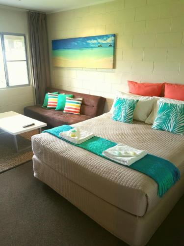Фото отеля Forrest Beach Hotel/motel