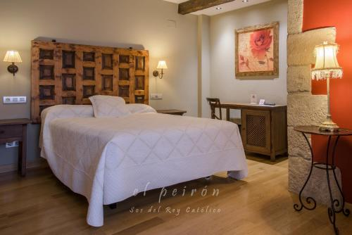 Superior Double or Twin Room El Peiron 21