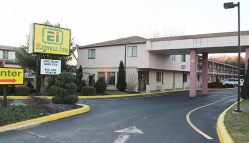 Express Inn - Wall - Farmingdale, NJ 07727