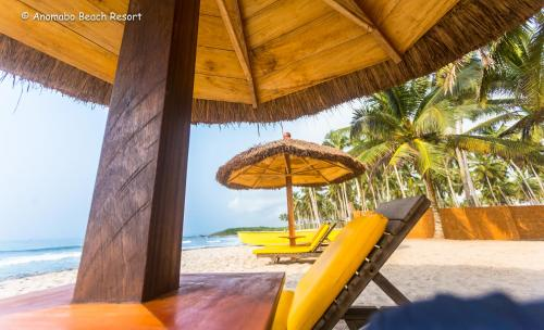 Set 6 Km From Fort Amsterdam Anomabo Beach Resort In Anomabu Has A Private Area Featuring Restaurant The Property Also Shared Lounge