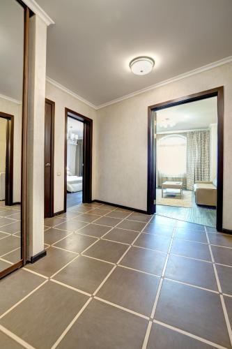 Apartment Kutuzoff metro Sokol - image 5