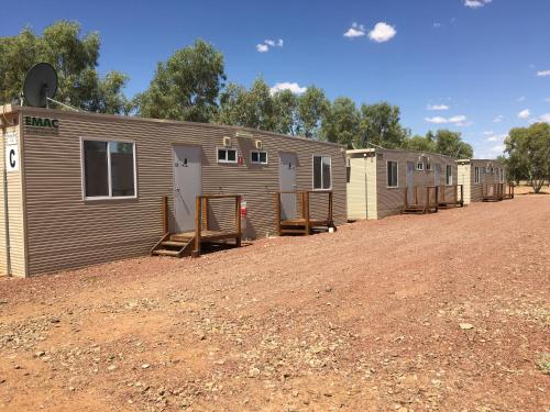 Фото отеля William Creek Camp Ground & Units