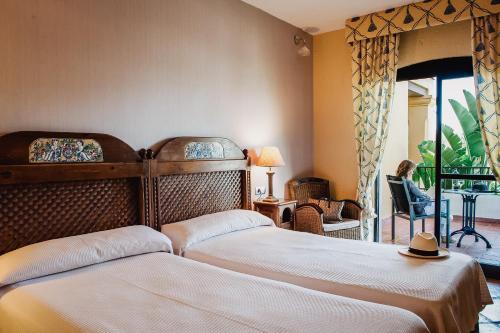 Twin Room with Garden View B bou Hotel La Viñuela & Spa 6