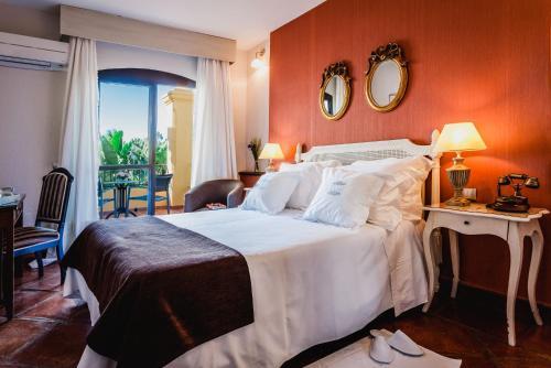 Twin Room with Garden View B bou Hotel La Viñuela & Spa 7
