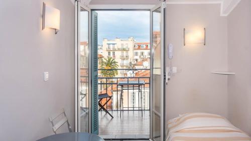 Hotel Solara - Hôtel - Nice