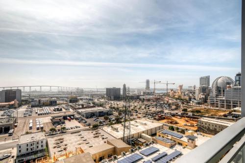 Beautiful Highrise In Downtown San Diego #1 - San Diego, CA 92101