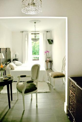 Superior Double or Twin Room Hotel Rústico y Apartamentos A Torre de Laxe 3