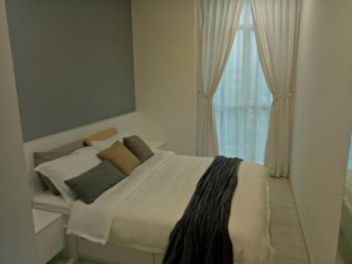 . Straits Garden Suite-2BR