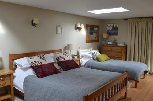 Motts Bed & Breakfast - Photo 2 of 25
