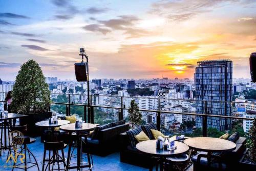 Hotel5 Stars Suite Standard - Economy Price!