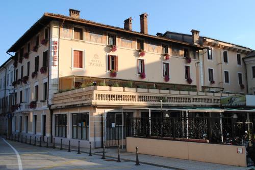. Hotel Dvorec