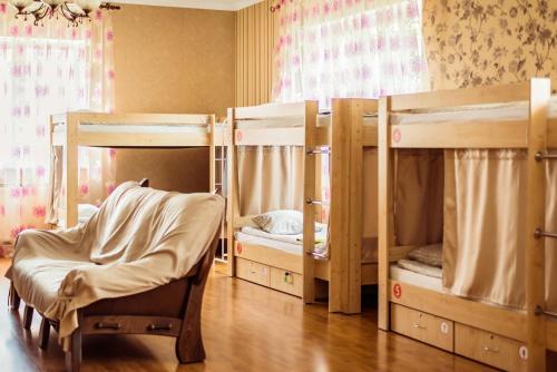 «в Лайк хостел» Спальное место на двухъярусной кровати в общем номере для мужчин и женщин