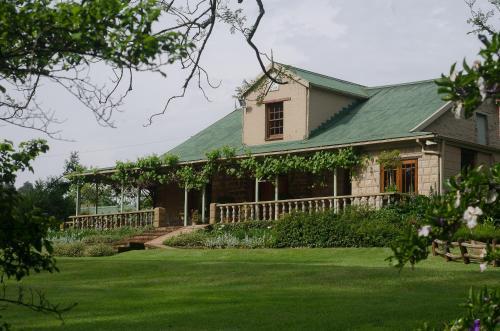 . Halliwell Country Inn
