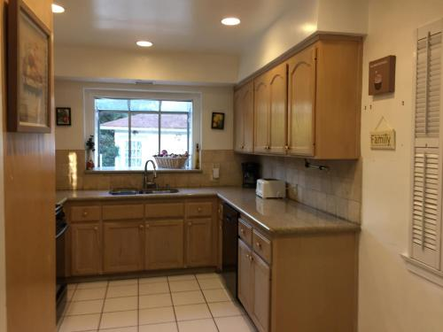 Lovely 2 Bedroom Home With A Pool
