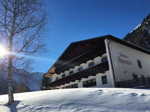 Hotel-overnachting met je hond in Pension Alpenrose - Sankt Sigmund im Sellrain