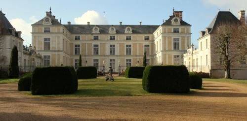 Kasteel-overnachting met je hond in Chateau Colbert - Maulévrier
