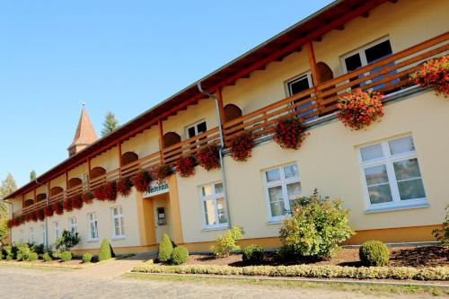 . Land-gut-Hotel Seeblick